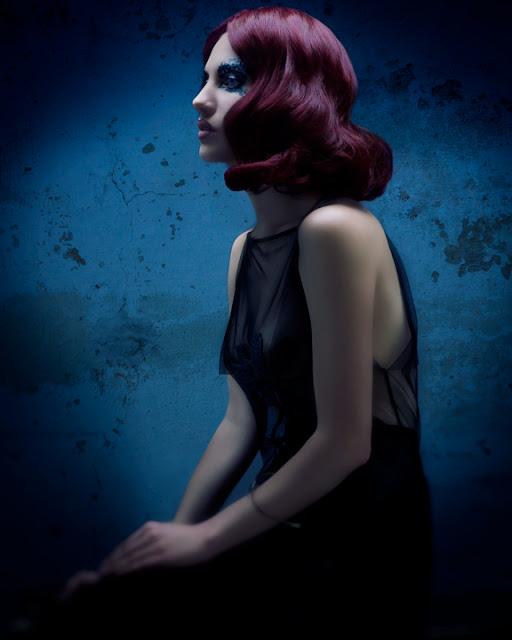 Dark red vintage style waves, hair style