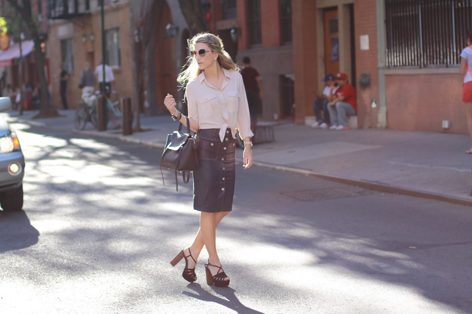 tie front top outfit, soho street style, boho luxe style