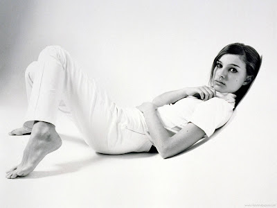 Natalie Portman Actress Glamorous Wallpaper-205-1600x1200