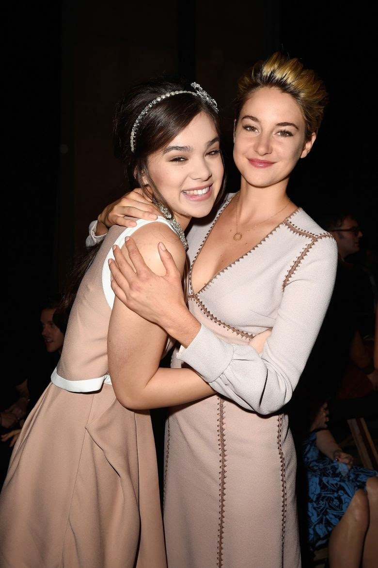 Enjoy the Stunning Pictures of Hailee Steinfeld at Miu Miu Fashion Show