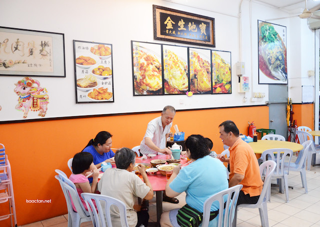 Homely, traditional chinese restaurant styled interior, no frills