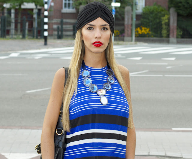 turbant turbante stripes maxi dress necklace colar azul klein eletric blue