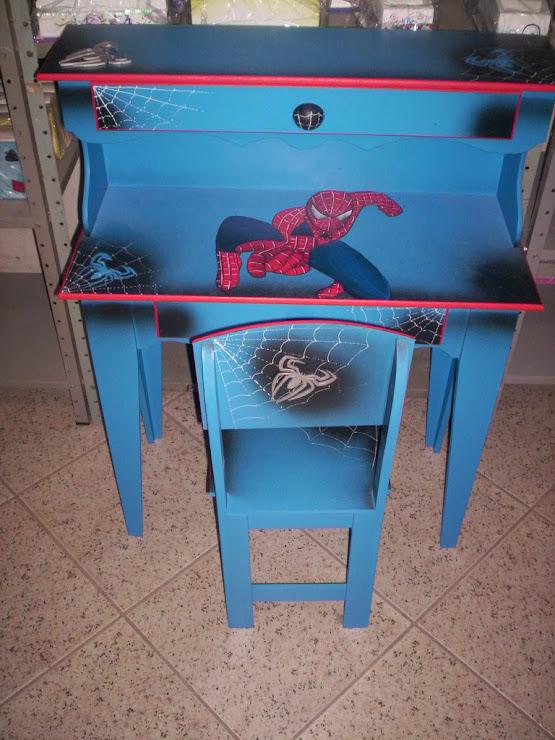Escrivaninha G Homem Aranha R$ 270,00