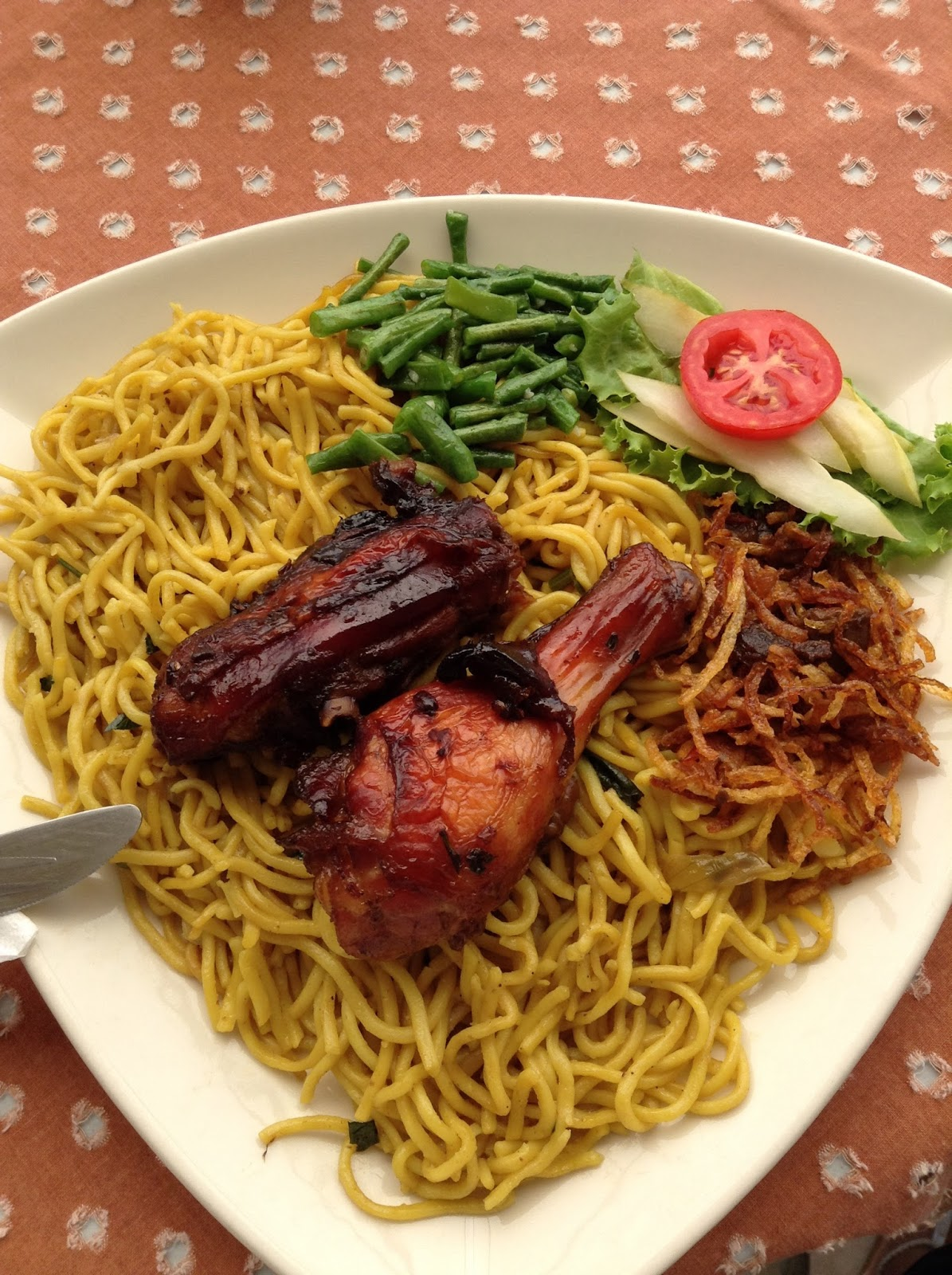 Bami Surinamese food