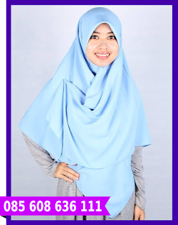 Hijab segi empat formal