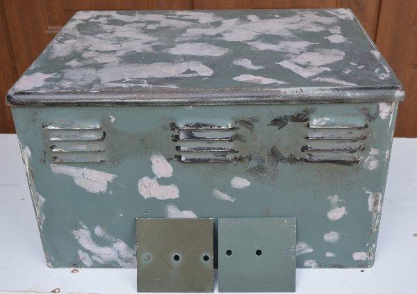 radiocommunications rs550 peinture du coffret d 39 alimentation. Black Bedroom Furniture Sets. Home Design Ideas