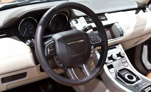 http://3.bp.blogspot.com/-yWSHnfWgv7s/TsE8vUpmf6I/AAAAAAAADfw/fNmI5GHKkeY/s1600/2012-land-rover-range-rover-evoque-5-door-steering-wheel-photo-376198-s-520x318.jpg