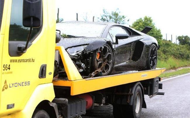 lamborghini aventador crashed in hungary carsfresh. Black Bedroom Furniture Sets. Home Design Ideas