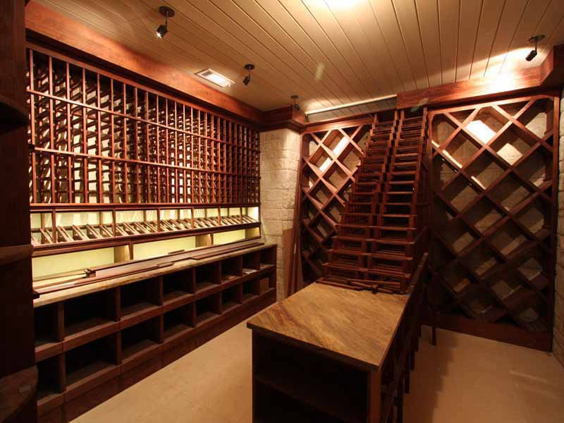 Historia del vino requerimientos de una cava - Cavas de vino para casa ...