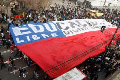 http://3.bp.blogspot.com/-yWbAA-7EFgM/Tkys4RZj5bI/AAAAAAAABqw/EkdNmaIupkM/s1600/movilizacic3b3n-estudiantes-chilenos.jpg