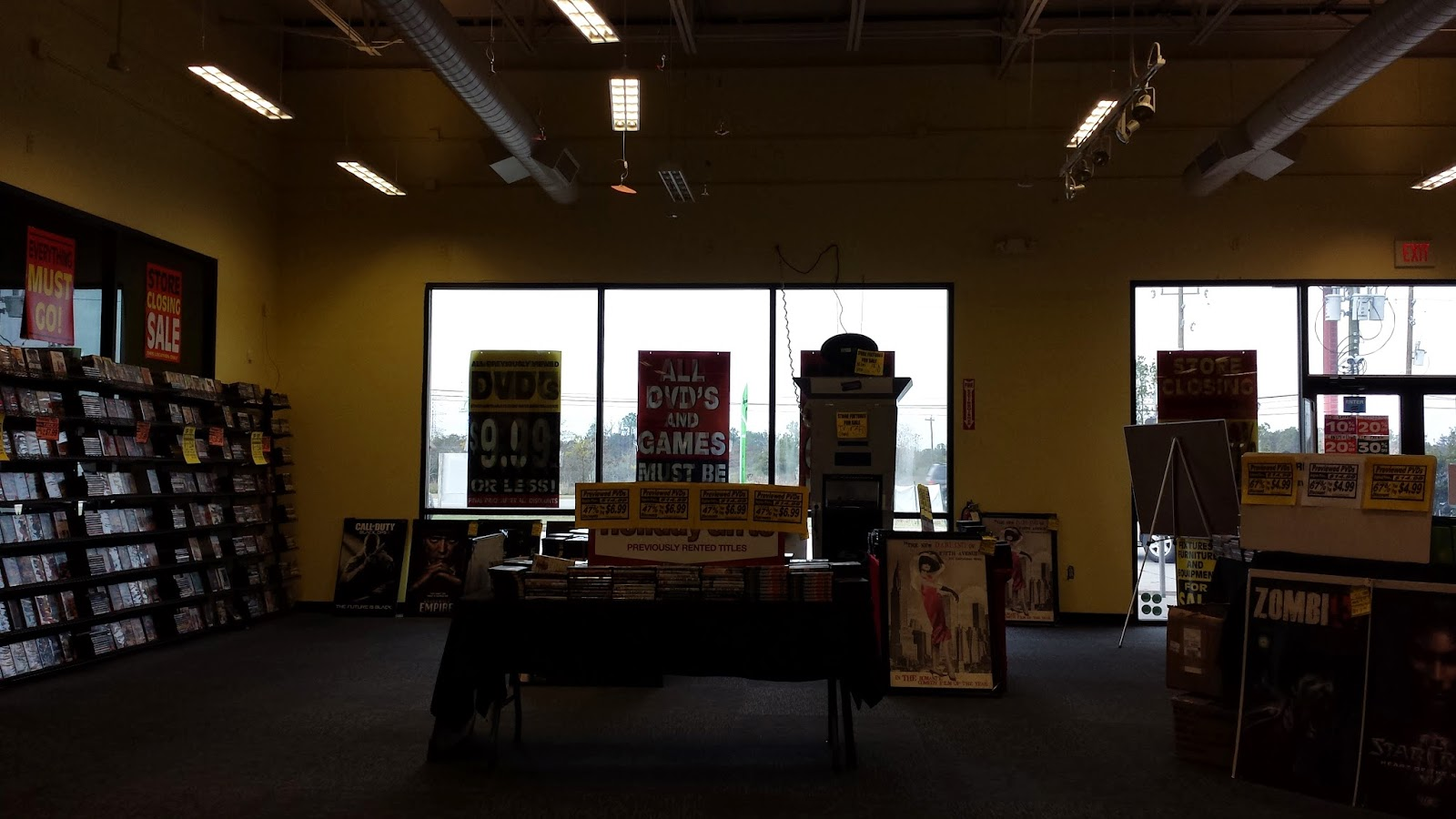 Choosy about chairs katy lifestyles amp homes magazine katy - Here Are Two Houston Area Stores In The Final Weeks Of The Going Out Of Business Sale Rip Blockbuster
