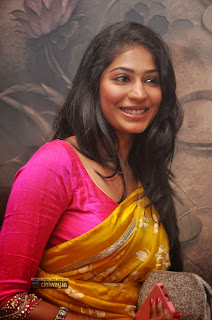 Vijayalakshmi-Stills-at-21-Ever-Fashioner-Shopping-Launch