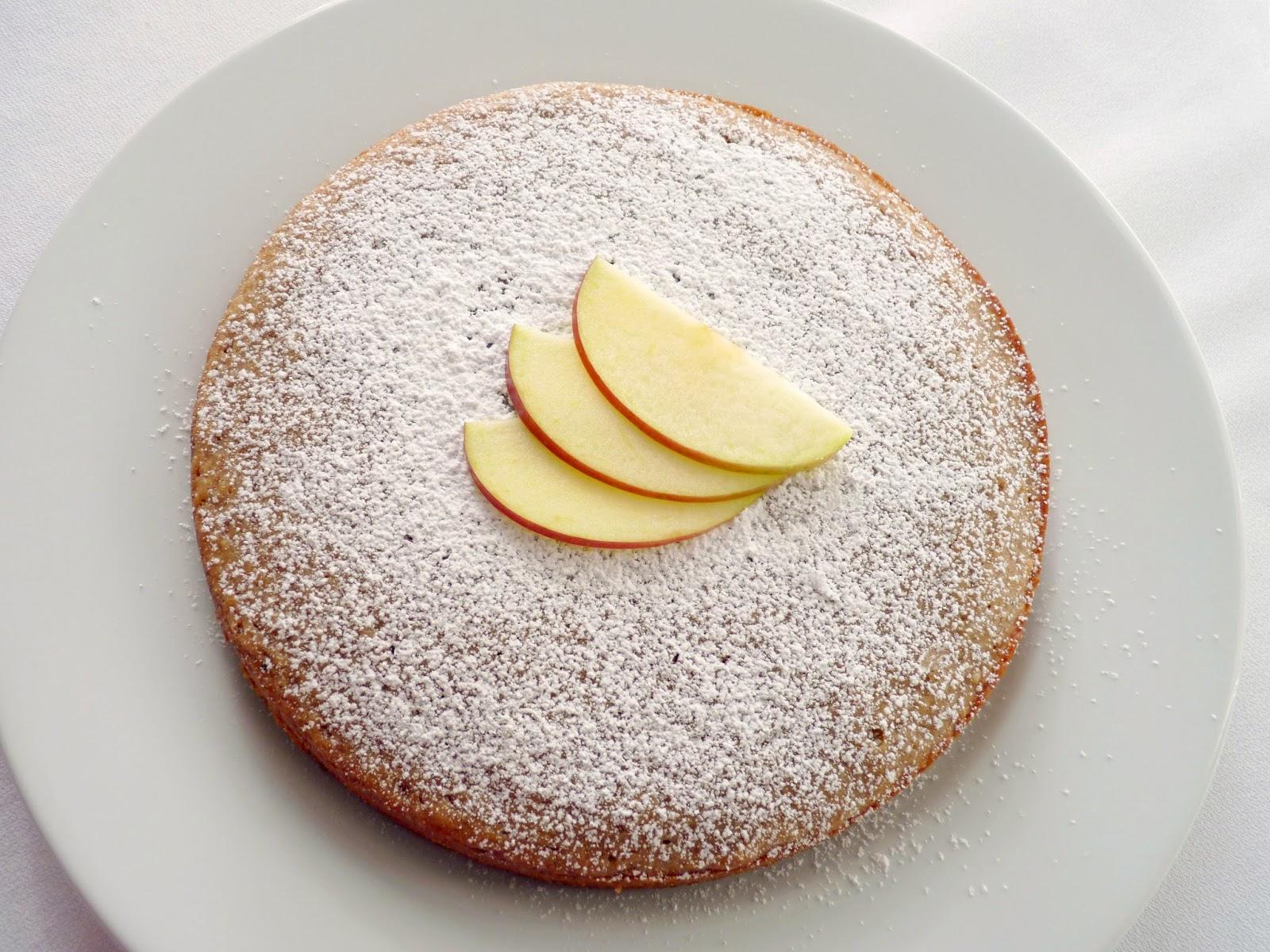 pastry studio: Applesauce Spice Cake