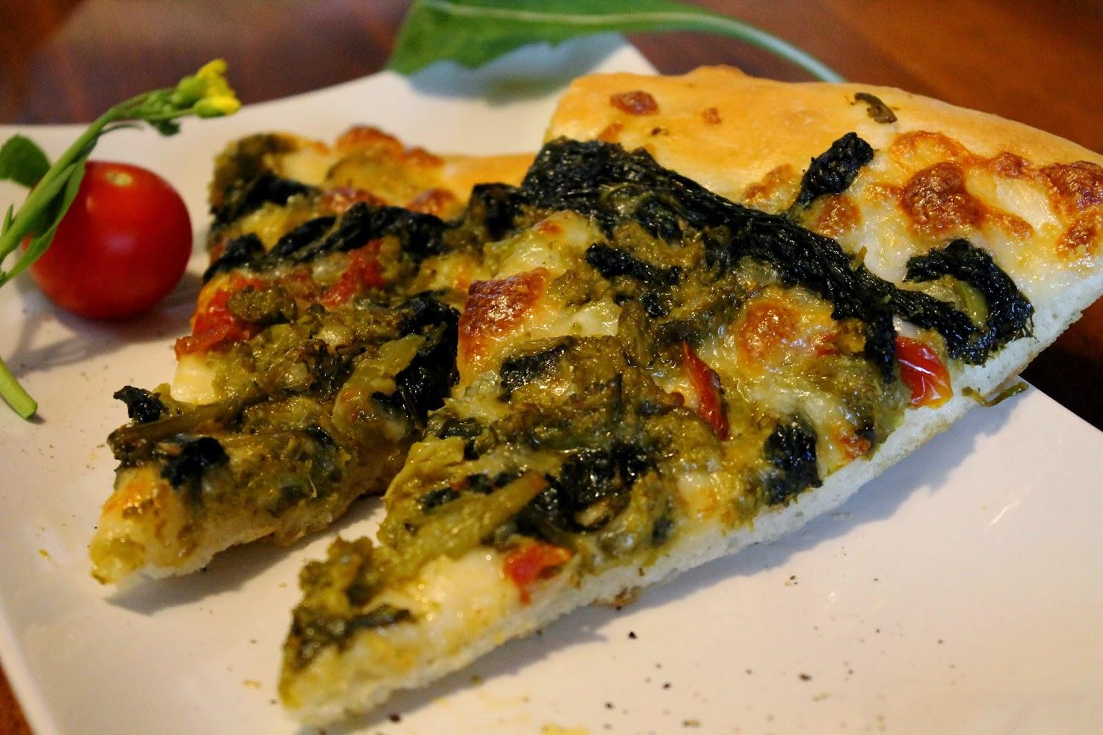 Pizza con lievito madre con fiordilatte e friarielli