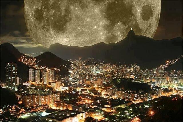 صوره تأتى مره فى العمر - صورة رائعة للقمر - moon - أكبر ظهور للقمر كان في مدينة ريو ديوجانيرو البرازيلية يحدث كل 350 عام