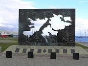 La guerra de las Malvinas o guerra del Atlántico Sur fue un conflicto armado . monumento combatientes