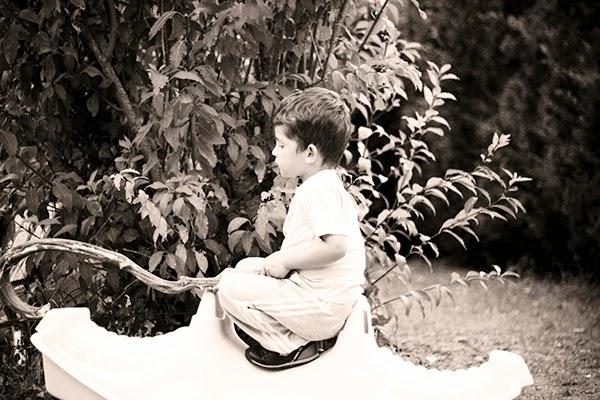 photo enfant seul exterieur