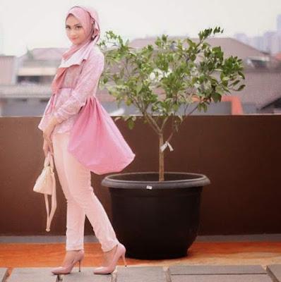 Model baju muslim atasan wanita modern untuk pesta
