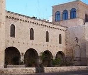 Il portico del pellegrino a bari apre le porte all 39 arte for Avvolgere le planimetrie del portico