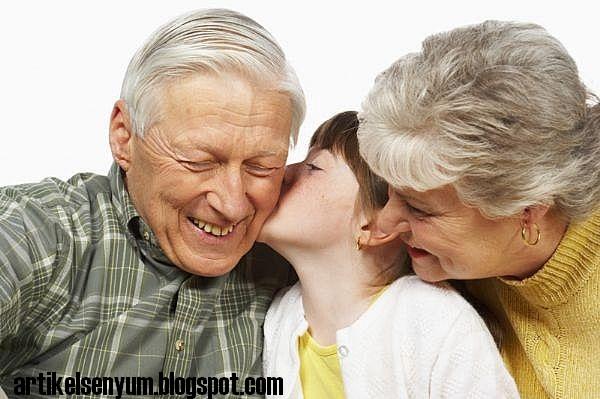 Manfaat berbakti kepada orang tua berbakti kepada orang tua bisa