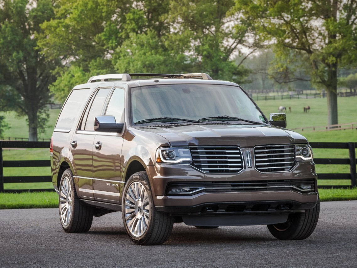 "Lincoln Navigator Earns a ""2015 Best Bets"" Award from The Car Book"