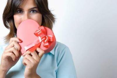 bintancenter.blogspot.com - 8 Efek Aneh yang Terjadi Saat Kita Jatuh Cinta