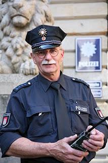 Soñar con Policía ¿Que significa?