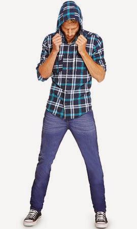 Riachuelo look básico calça jeans e camisa xadrez com capuz coleção masculina inverno