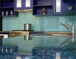 kính màu ốp bếp tphcm