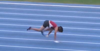 Έσπασε το ρεκόρ Γκίνες για τα 100 μέτρα τρέξιμο στα τέσσερα