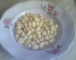 usturoi, retete cu usturoi, reteta cu usturoi, usturoi pentru sunca, usturoi pentru sunca la saramura, retete culinare, preparate culinare, cum se pune sunca la saramura,
