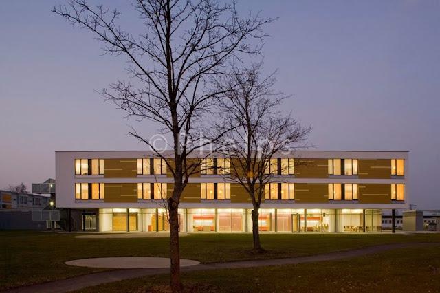 APH, Altenpflegeheim Attnang Puchheim - Arch. Gärtner/Neururer - Foto Andrew PhelpsAPH, Altenpflegeheim Attnang Puchheim - Arch. Gärtner/Neururer - Foto Andrew Phelps