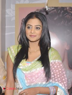 Priyamani Pictures in Salwar Kameez at Lakme Salon Launch at Secundrabad  0005
