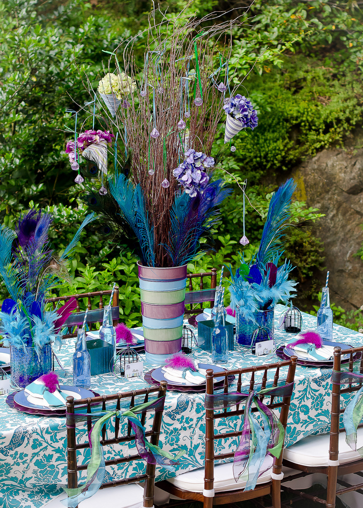 Events That Sparkle Peacock Feather Tablescape