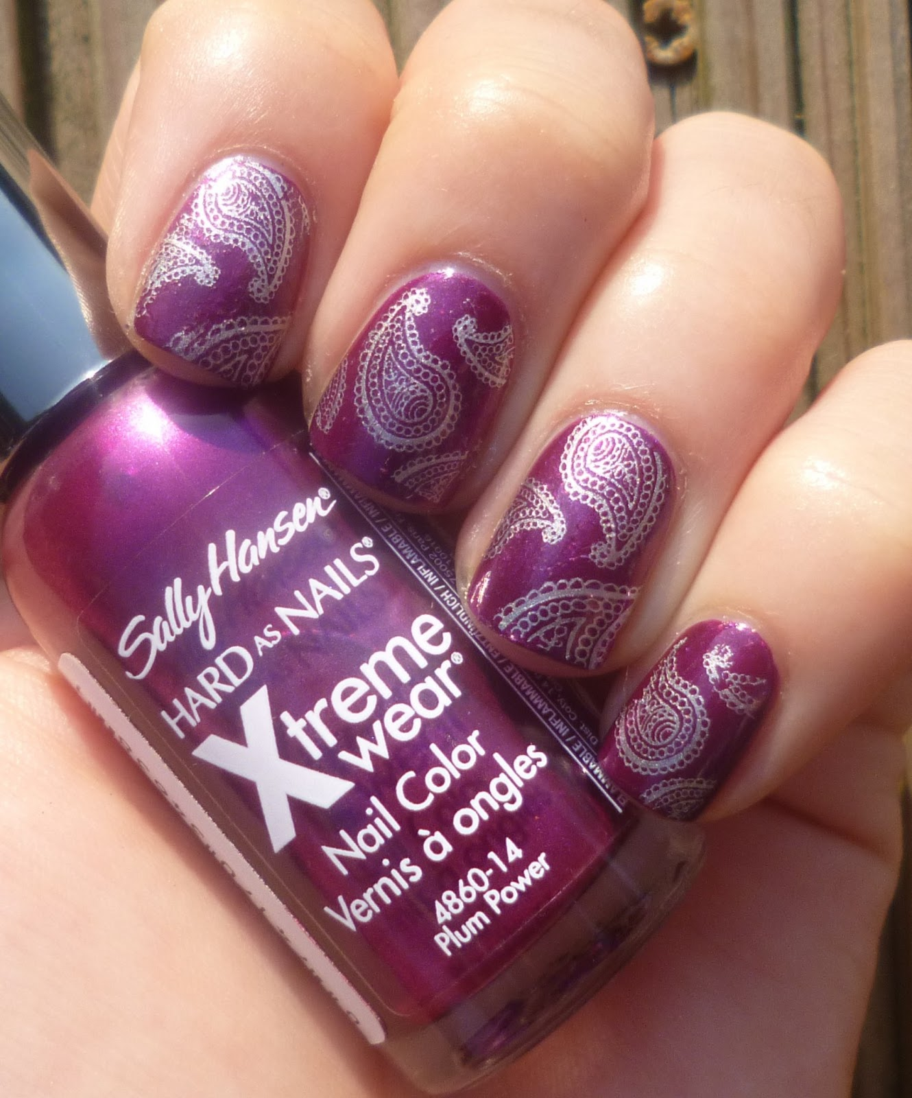 Lou is Perfectly Polished: Purple nails with Paisley