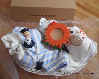 mutlu bebekler hediye sepeti