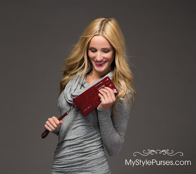 Miche Red Patent Wristlet | November 2012 Winter Cherish Catalog