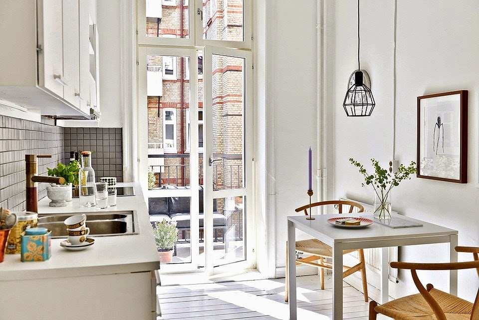 Small Parisian Flat - Small White Kitchen