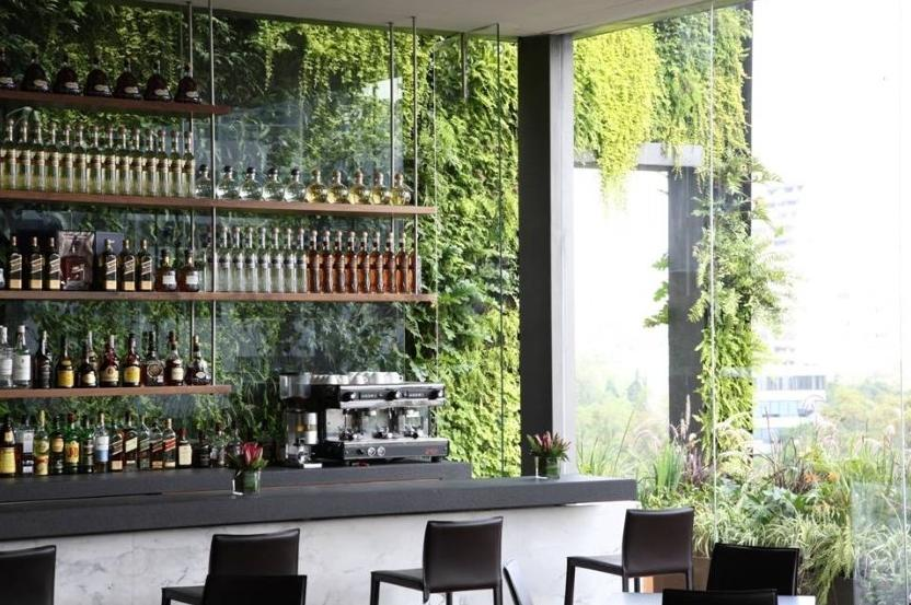 Casa haus english green roofs and vertical gardens for Bar roulant de jardin