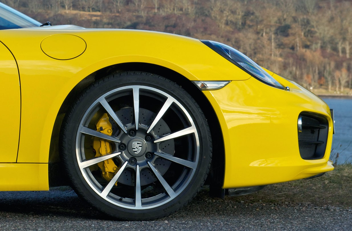 2013 Porsche Cayman front wheel and tyre