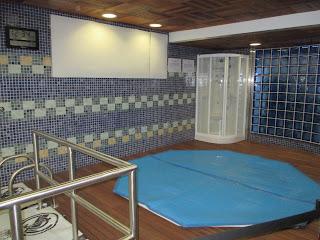 Banheira no Vestiário do Real Madrid no Estádio Santiago Bernabeu