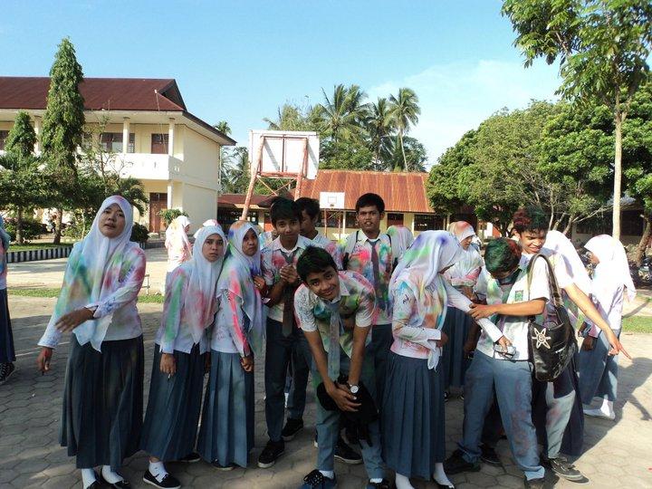 SMA 1 PayakumbuhLulusan 2011 ips3