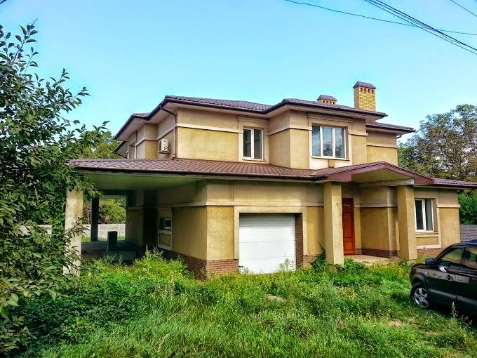 Продается 2 эт. дом (95 кв-л) по ул. Днестровская общ. пл. 325 кв.м