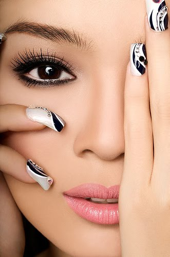 Model And Polished Nail Best Black And White Nail Art Black And