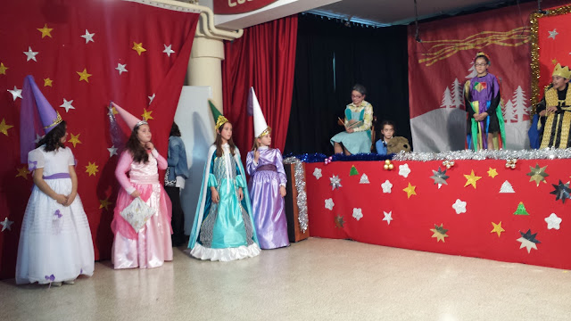 Grupo The Best en el escenario de EL Marquésde Valero