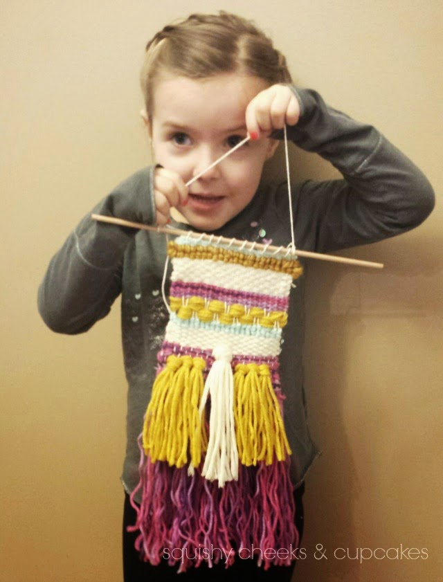 Weaving : Wall Hanging Inspiration : Squishy Cheeks & Cupcakes