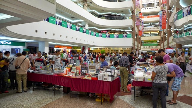 On Last Saturday Ie13th September 2014 I Went Down To Johor Bharu Dangga Shopping Mall Attend The Stamp And Coin Fair 13th 14th