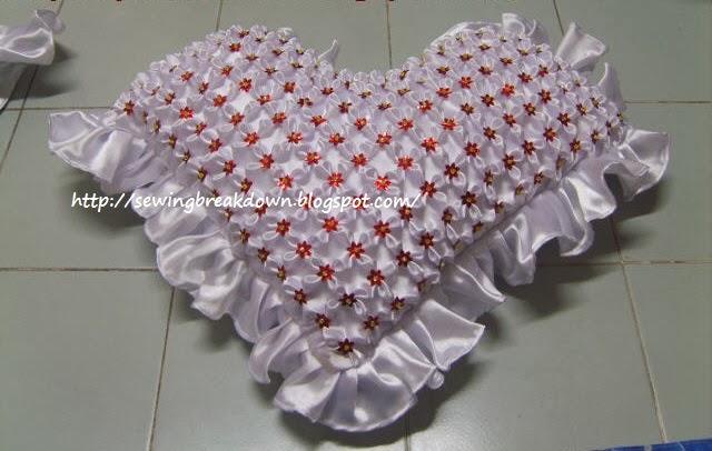 خياطة وسائد السموك على شكل قلب