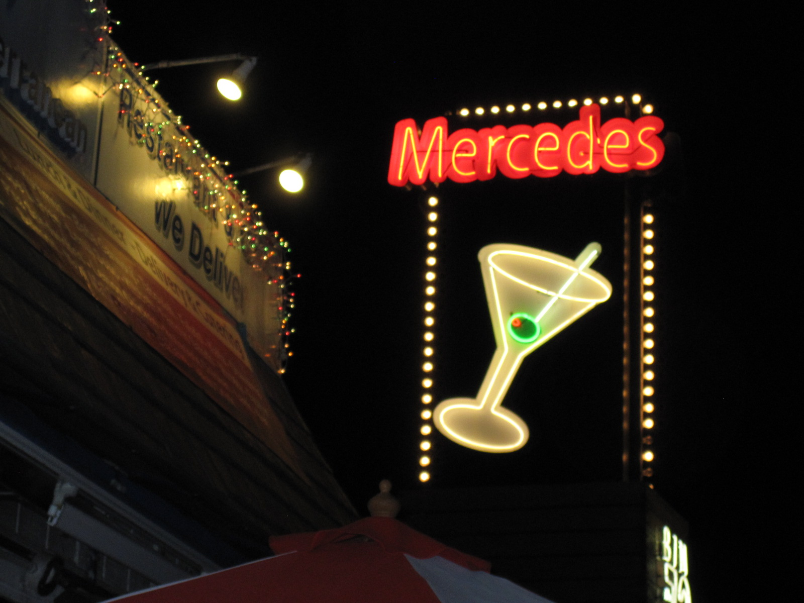 Kris 39 s 2011 a photo a day mercedes grille martini bar for Mercedes benz marina del rey