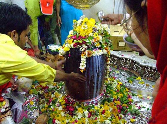 महाशिवरात्रि के दिन शिव पूजा